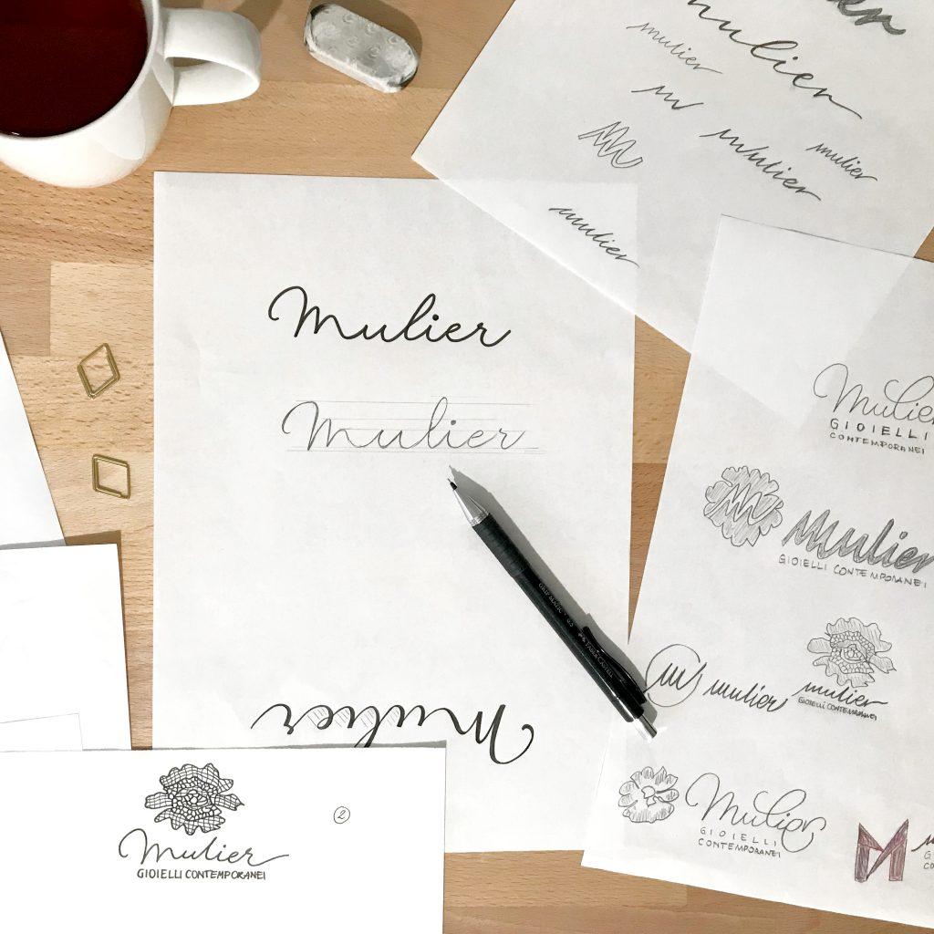 Bozze del logo per l'identità visiva di Mulier - gioielli contemporanei